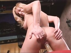 Blonde solo bitch loves sport and dildo